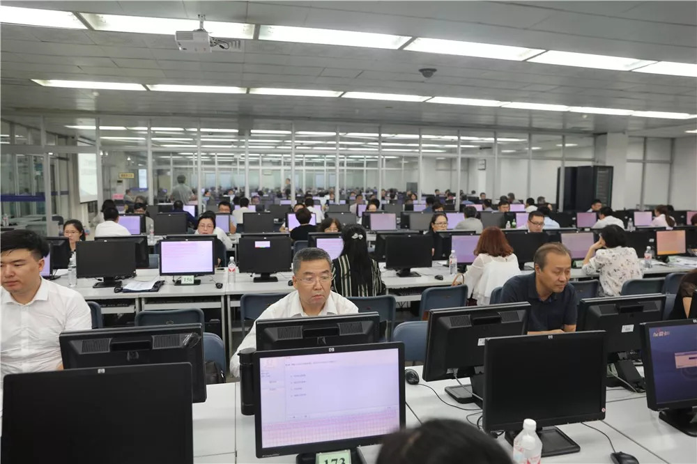 【谁执法谁普法】辽宁省审计厅举行全员法规知