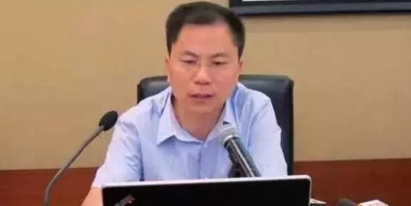 合肥轨道公司原副总经理张思源受审 否认部分指控