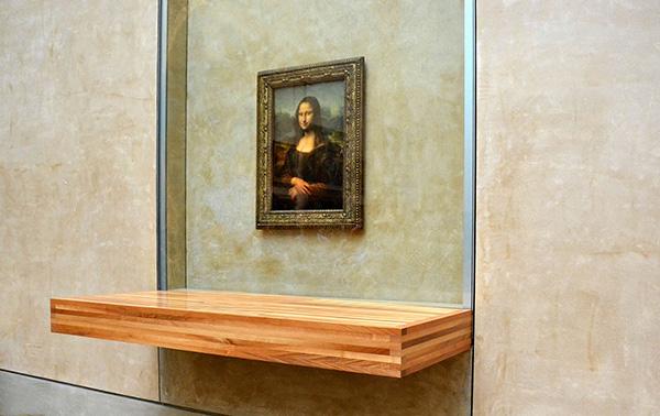 神秘现身的人个子很小,是博物馆雇的油漆工,名叫文森佐·佩鲁吉亚图片