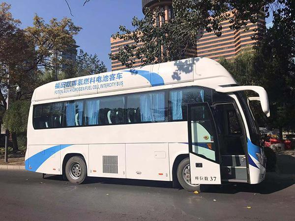 体验张家口氢燃料电池大巴车:加一次氢跑三百公里,只排放水