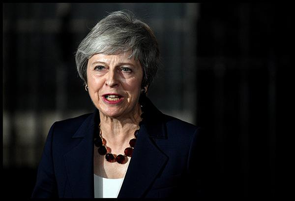 脱欧协议被英国议会否决了怎么办?还有三条路可走