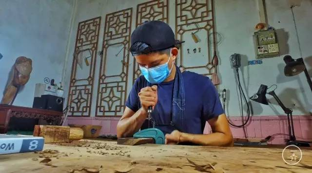 90后木匠的人生哲学:一半是榆木疙瘩,一半是炽热恋火 ,杨雨婷几岁