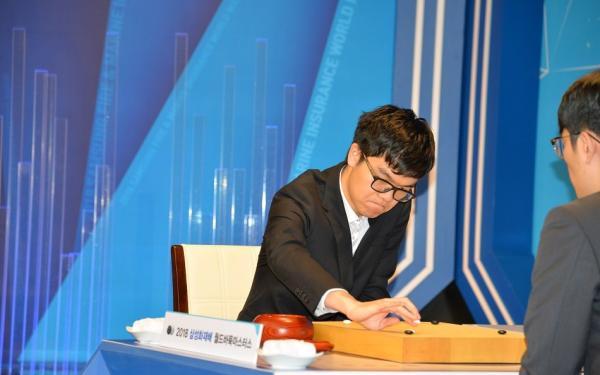 """柯洁击败韩国选手三星杯夺冠,加冕史上""""最年轻六冠王"""""""