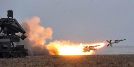 乌克兰在黑海附近试射新巡航导弹,俄罗斯同日举行军演回应