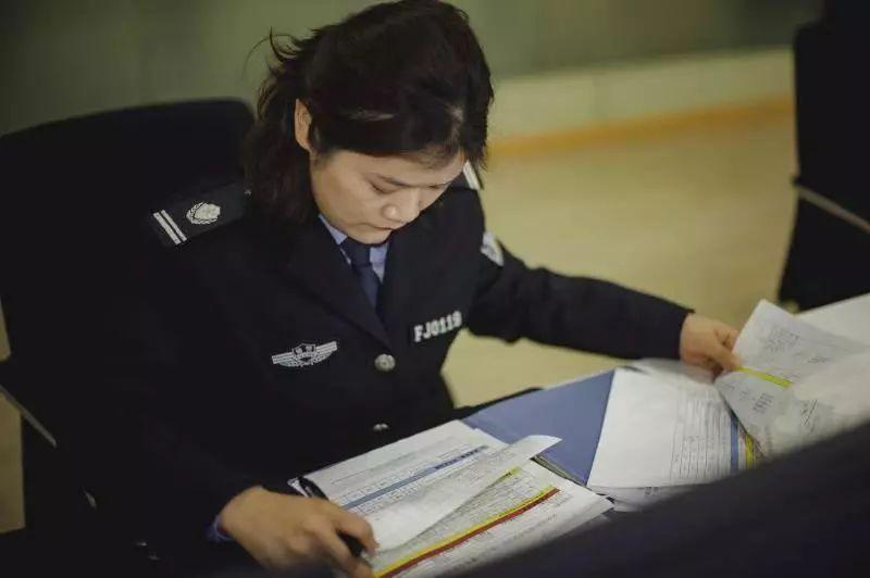 女辅警许泽云:14年风雨兼程,精准研判初中犹如小结教师警情个人图片