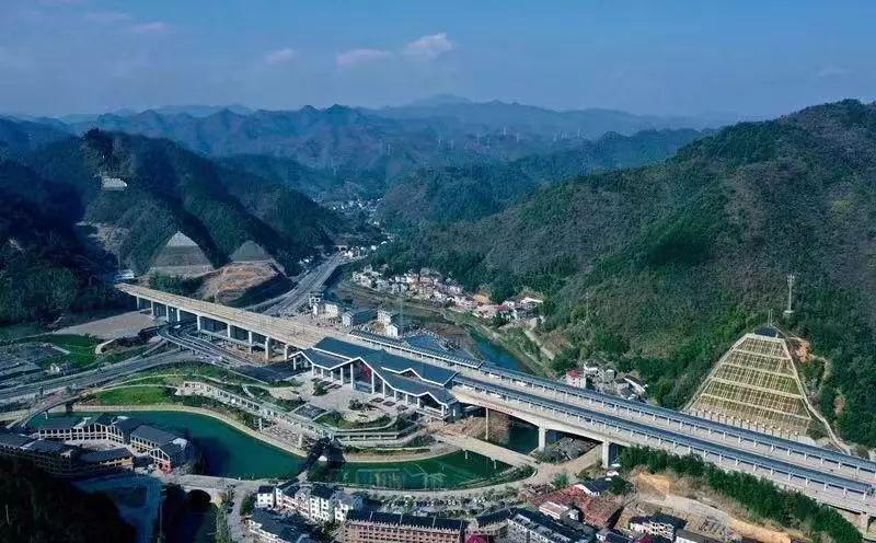 黄金旅游线杭黄高铁明日正式通车,西湖到黄山_杭州乌镇旅游攻略