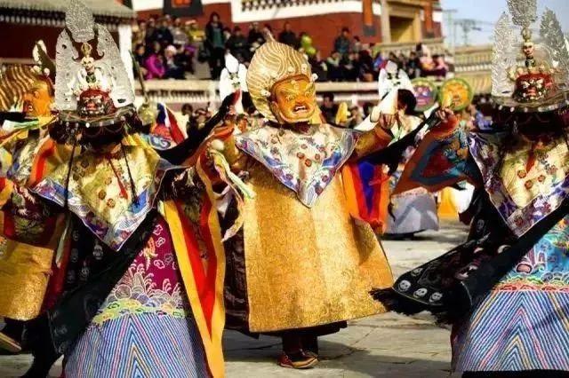 【课余生活作文】春节旅游去哪?带你走进甘南正月毛兰姆法会