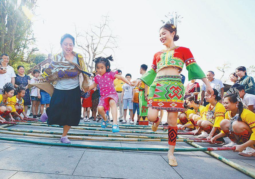三大央媒关注:全国人民在三亚健康幸福过大年!
