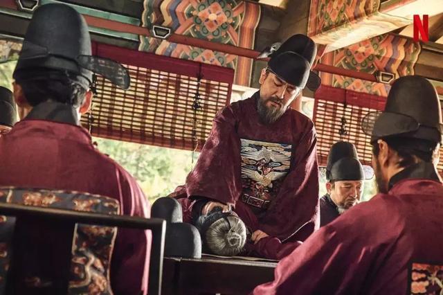 故事发生的背景设置在15-16世纪的古代朝鲜,内容则融合了宫斗权谋及