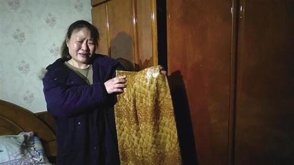 送给妹妹的裙子,迟到了32年