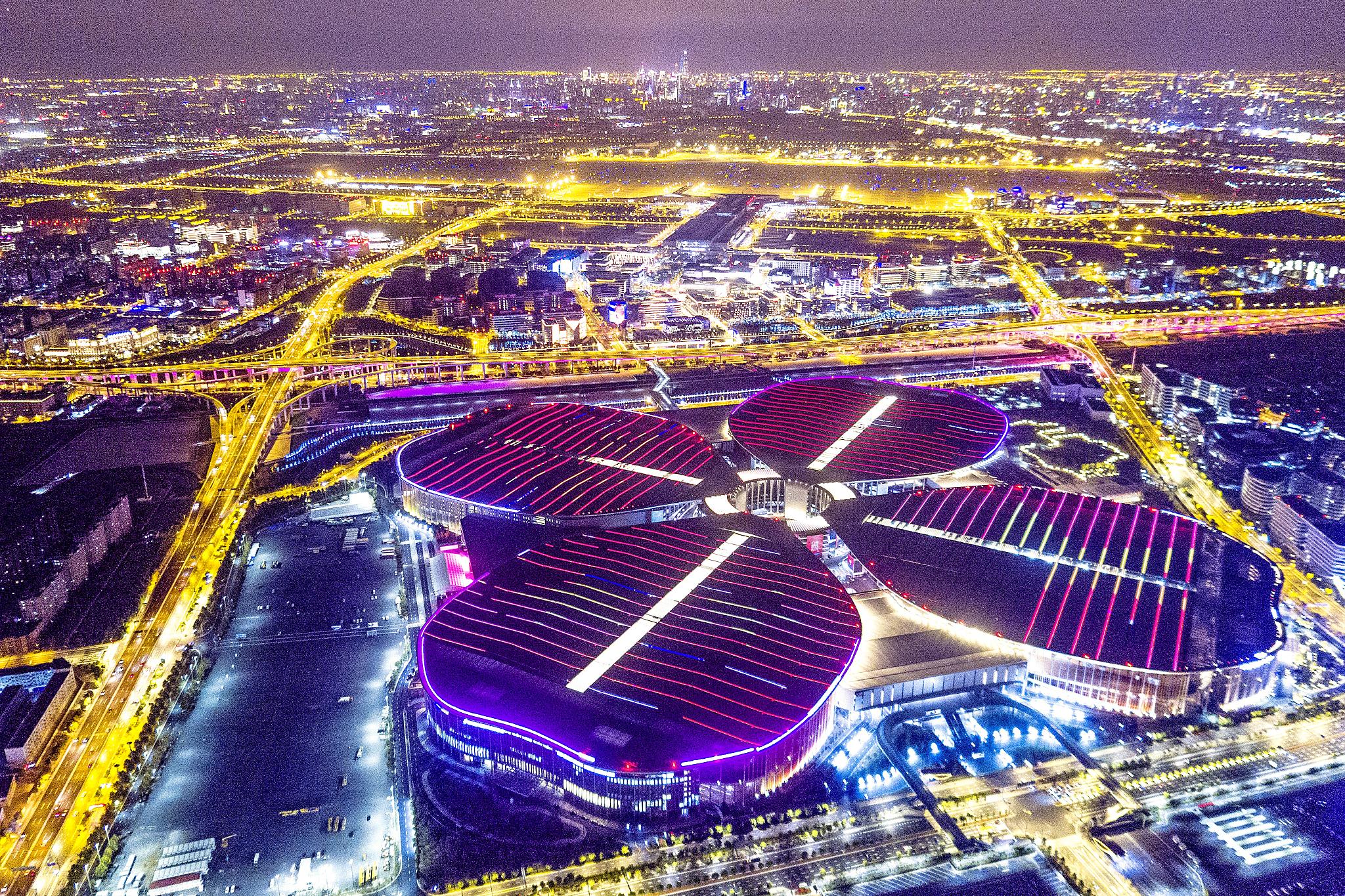 上海自贸区投资_新时代新作为新篇章丨魔都何以是魔都?上海去年的成绩单亮了 ...