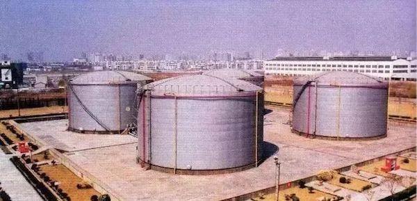 上海油罐艺术中心:从废弃机场储油罐到公共艺术公园