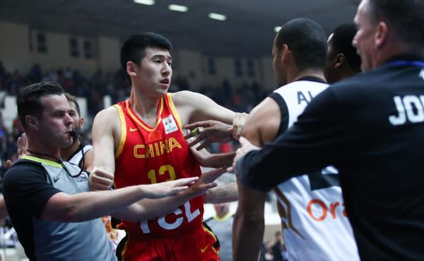 《秒速时时彩网上投注》_体坛联播 武磊遗憾中柱错失进球,中国男篮惨