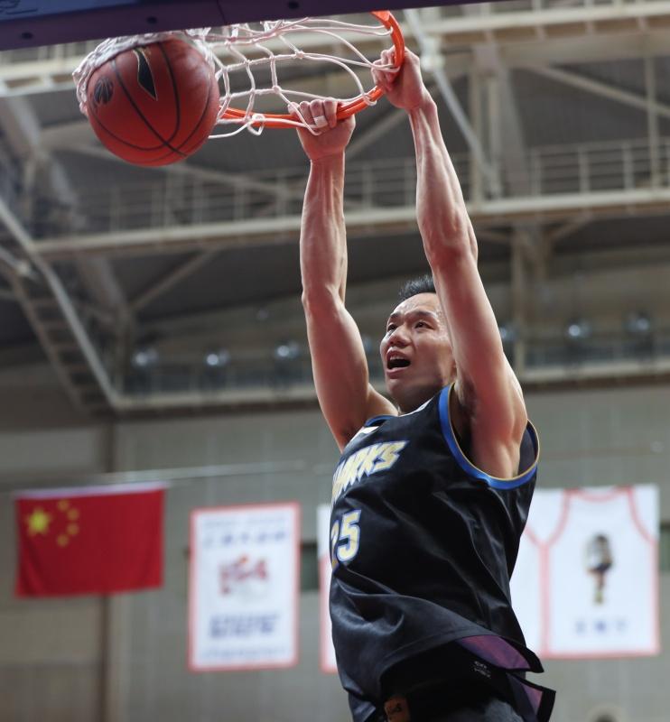 现场|拼下最后一张季后赛门票,这是上海篮球的动人故事