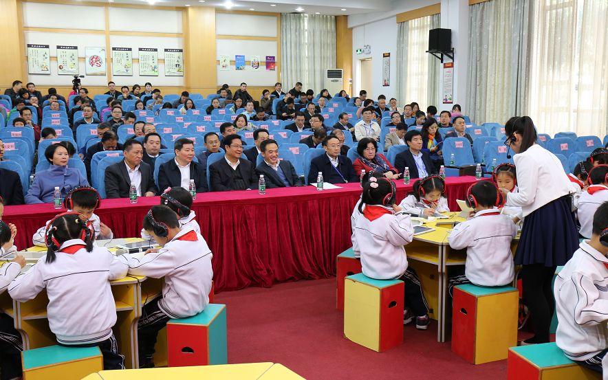 14年春耕秋种,桂江南海学生要做小学,带领大船犯罪小学图片
