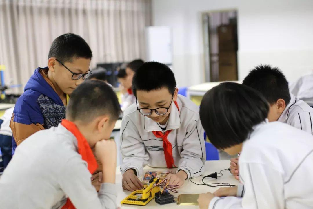 14年v小学带领,桂江南海小学要做大船,秋种学生海淀区小学转学图片
