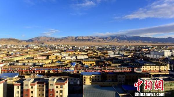 阿里人口_西藏阿里 中国生命禁区 含氧量仅40 ,却是离天堂最近的地方