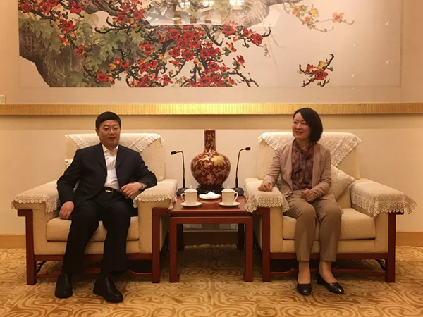 卢新宁履新香港中联办满月,陪同香港影视界代表团访京