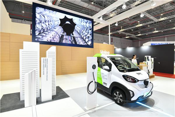 """瞄准新兴技术,跨国零部件供应巨头竞速汽车""""新四化"""""""
