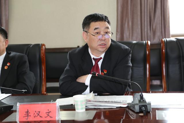 西宁中院召开纪念五四运动100周年青年干警座谈会