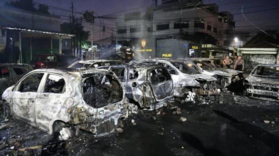 印尼大选后抗议演变为暴力冲突,当局限制社交媒体严控假新闻