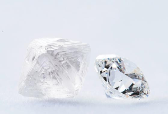 比想象更环保,天然钻石行业报告:碳排放仅为人造钻石1/3