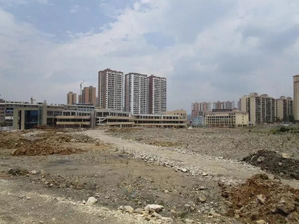 """媒体调查:威宁草海""""城进湖退"""" 黑颈鹤之乡的生态拆违困局_亚博"""