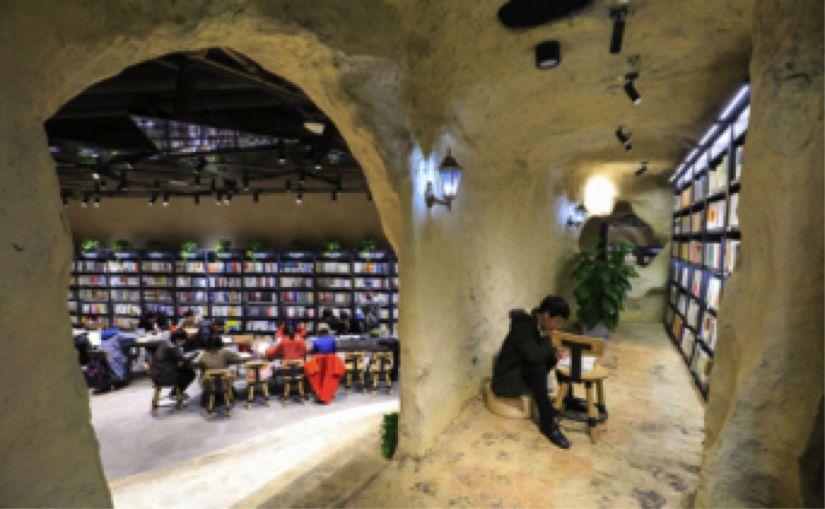 """实体书店回暖只是昙花一现? 颜值引人,更要""""价值""""留人_亚博"""