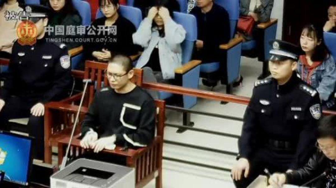 法院用美女头像抓老赖【三分钟法治新闻全知道】