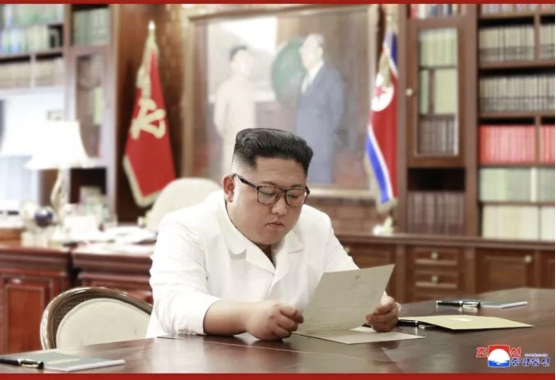 朝中社:特朗普向金正恩同志致親筆信