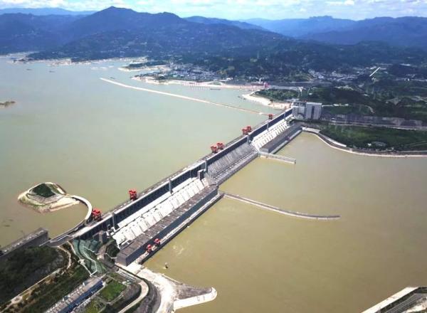 三峡大坝变形溃堤在即 水利部官微用权威数据 打脸