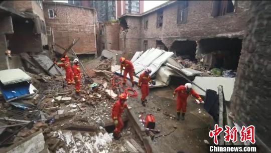 贵阳一栋三层自建房垮塌,被困7人已救出2人_恒达娱乐-恒达娱乐登陆插图