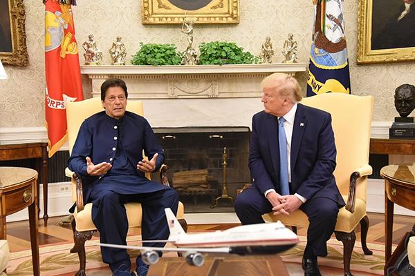 伊姆兰·汗访美融冰,美与塔利班和谈成败成美巴关系关键变量