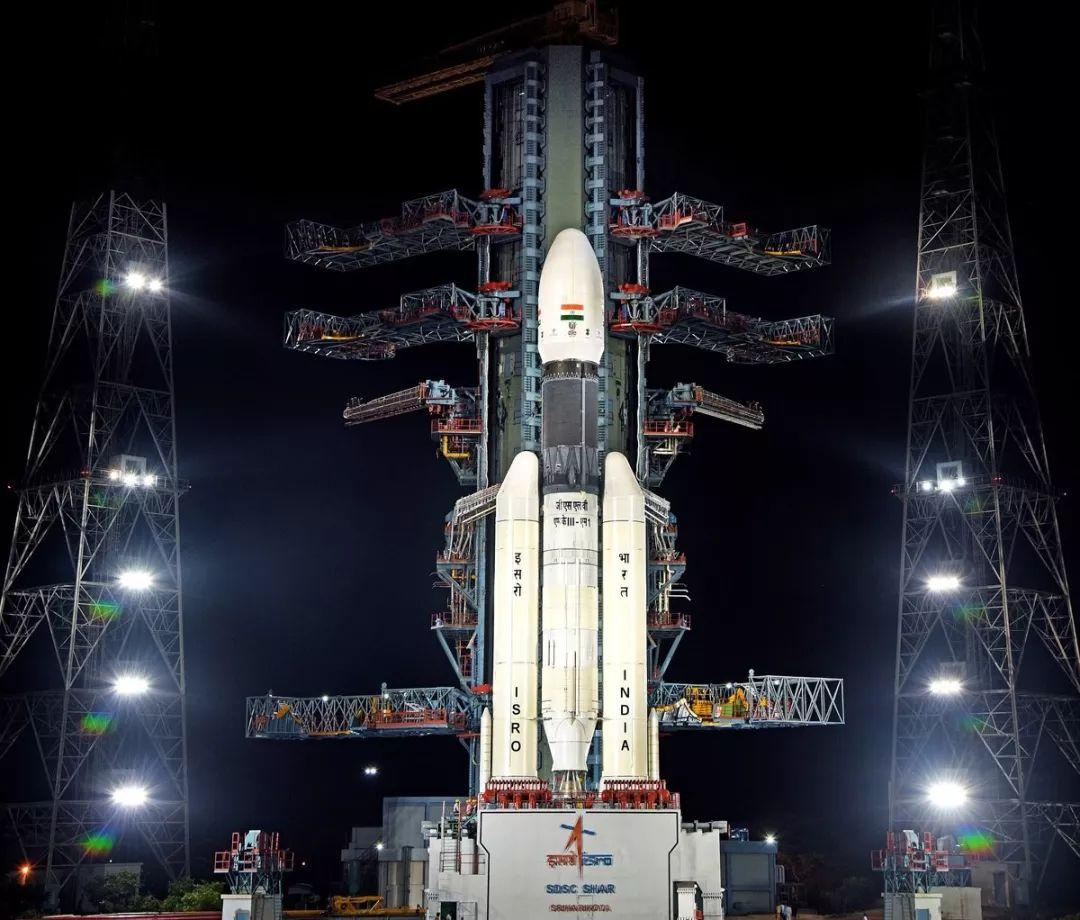 印度首次探月任务发射成功,两名女科学家主导项目