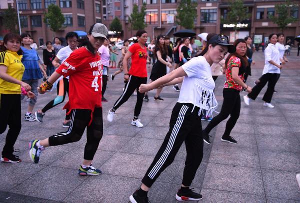 城市与社会︱小区广场健身房:女性在运动空间中寻找什么