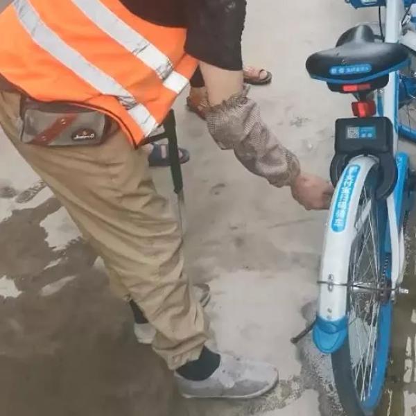杭州一工地现近60辆被破坏共享单车,项目部赔偿1.2万元