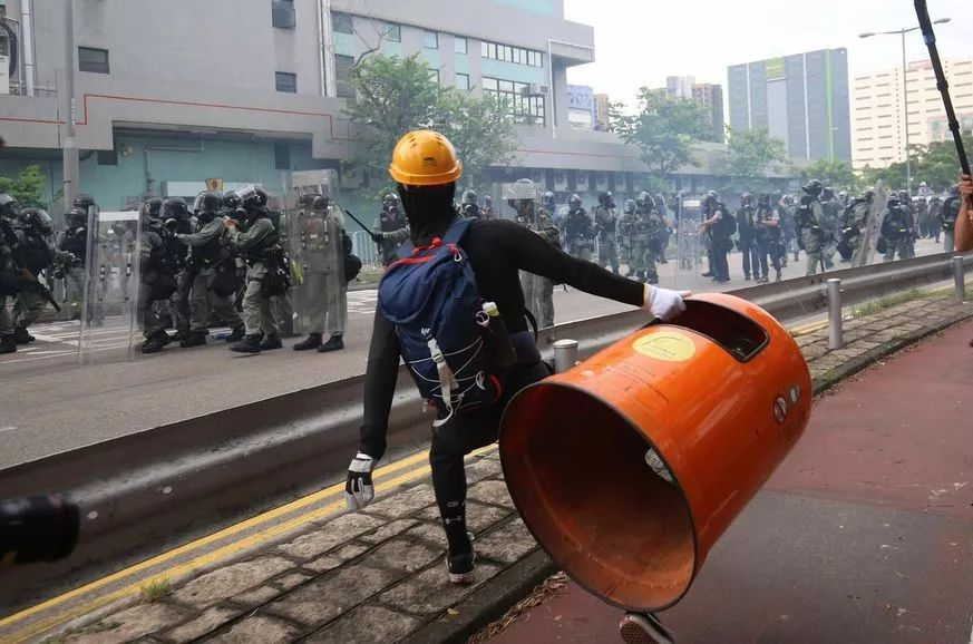 香港九龙地区出现非法集结现象