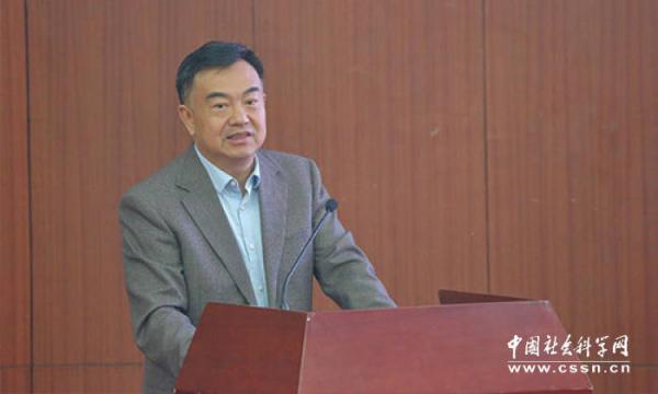 莫荣委员:应坚定不移推动贫困地区农村劳动力有组织外出就业