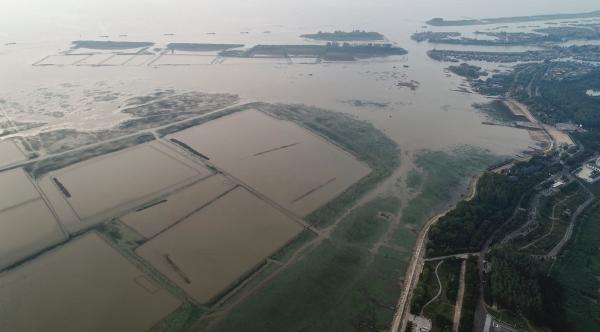 江苏淮河流域60年一遇干旱:洪泽湖水面缩小近一半