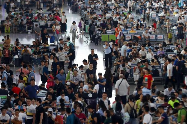 铁路暑运满月:连续一月日客流超千万,高铁发送旅客增长强劲