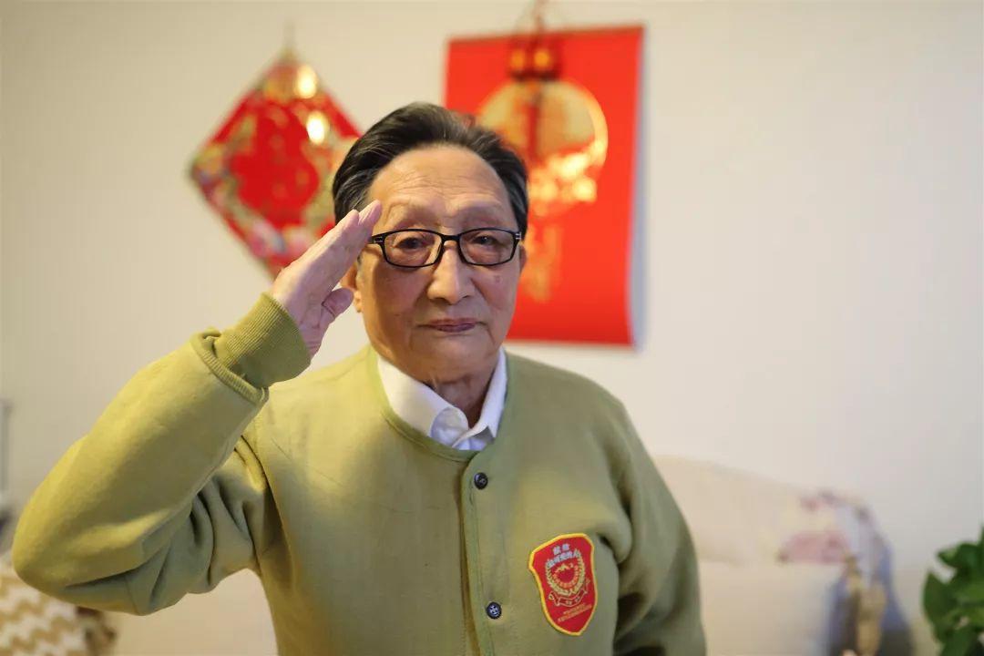 90岁石油老兵:和平是最大的幸福