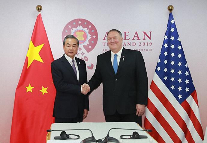 解读丨中美外长曼谷握手,重申落实两国元首大阪共识