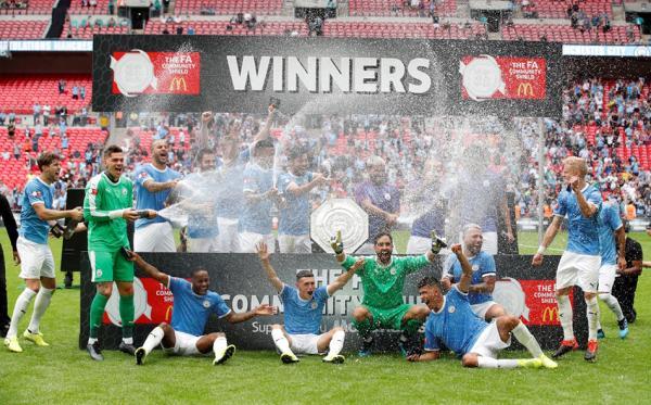 一场鸡肋社区盾杯,曼城和利物浦打出了英超决战的味道