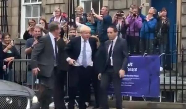 鲍里斯访问苏格兰后最新民调:2年来首现支持独立者占多数