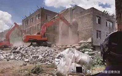 柳州警方通报:违建当事人拆违现场砸砖头扔爆竹,3人被刑拘