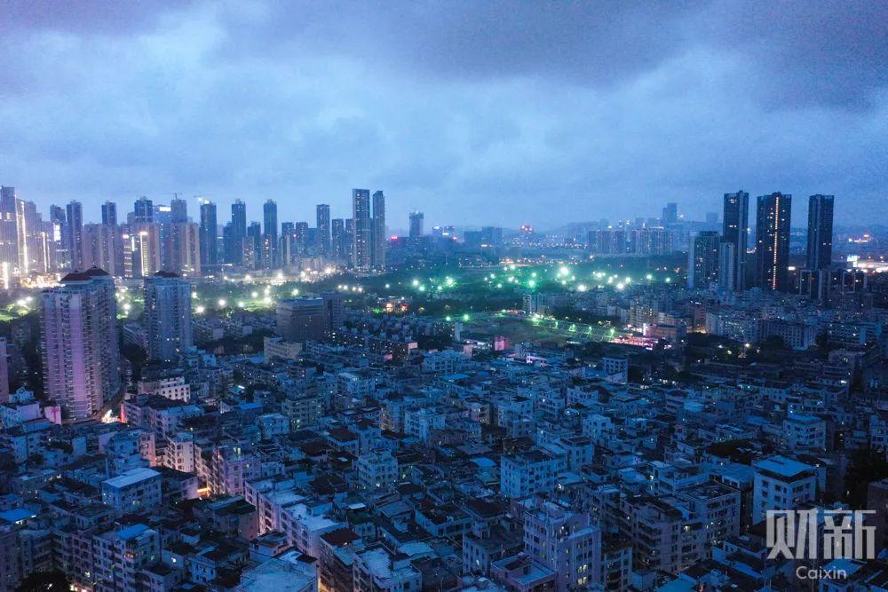 """城中村白石洲,这里有15万人的""""深圳梦"""""""