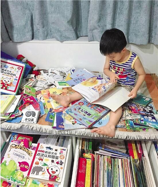 杭州一幼儿园小班男孩一月看60本书,妈妈做亲子笔记帮打卡