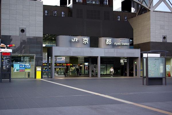 交通设施|日本京都站如何优化出租车等候区