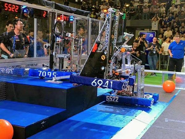 从资格赛50名到夺冠,看高中生机器人团队逆袭背后的故事