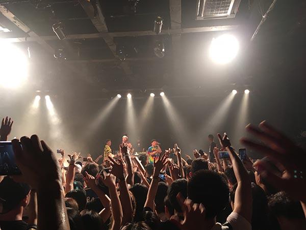 海尔兄弟2017年上海MAO Livehouse 演出。顾鑫 图